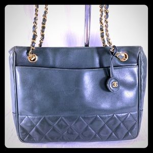 CHANEL Vintage Quilted Green Leather Chain Link